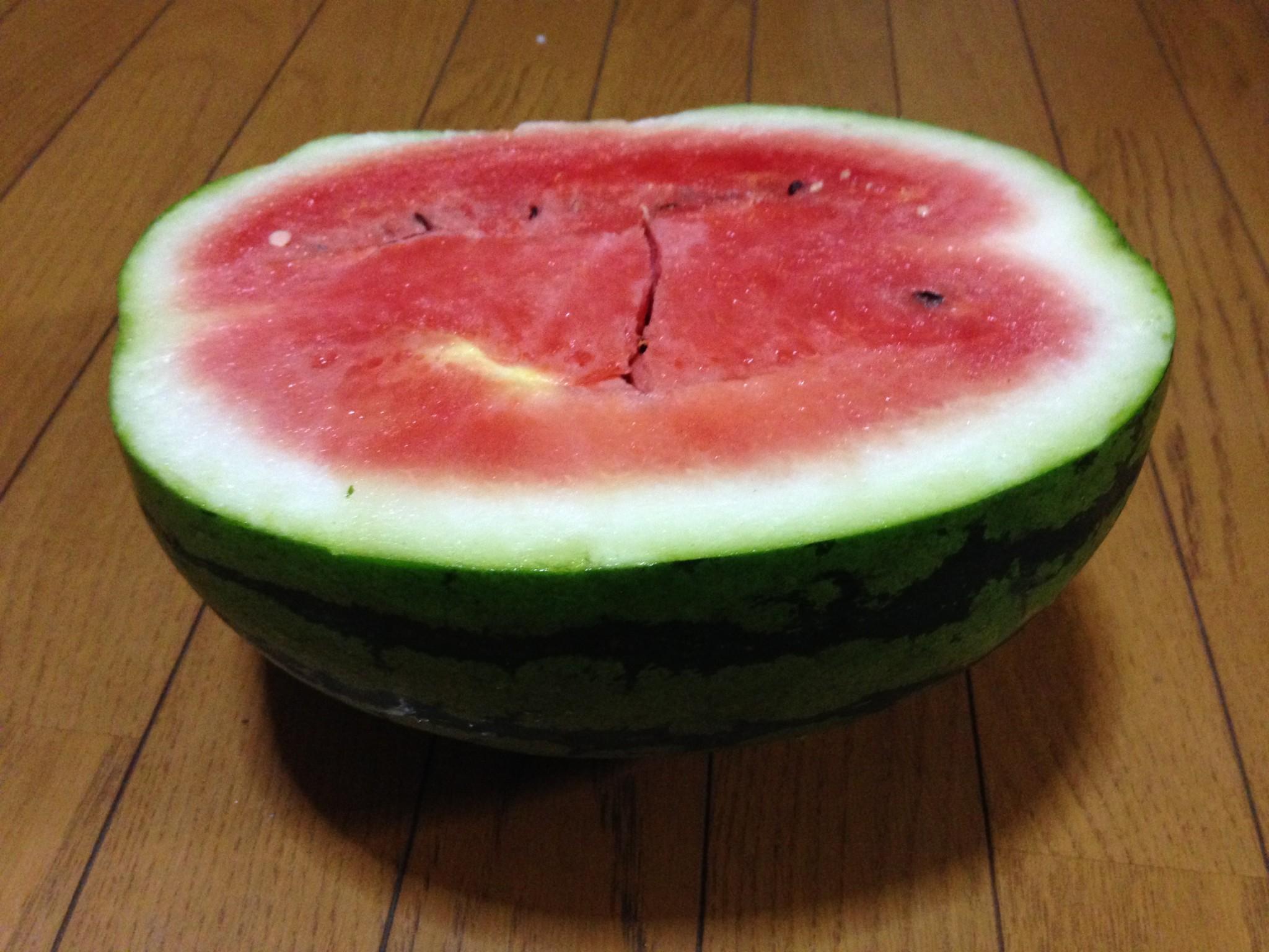 「すいか」2個目の収穫①(7月27日)